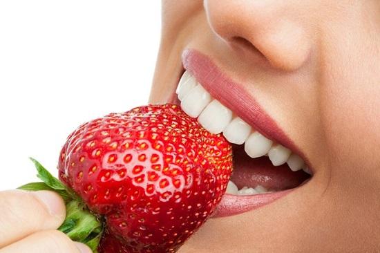 Những cách làm trắng răng tại nhà SIÊU RẺ, giúp răng trắng sáng TỰ NHIÊN!